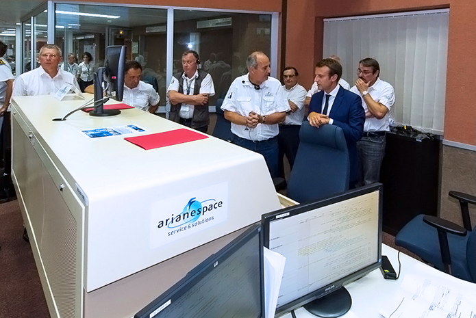 Emmanuel Macron – France's Minister of Economy, Industry and Digital Affairs – visited the Ariane 5 control center as part of his presence at the Spaceport for today's Flight VA225 mission.
