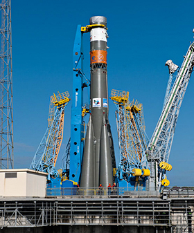 Flight VS05's Soyuz ST-B vehicle is raised on the Spaceport's launch pad, where it will receive its payload of four O3b Networks satellites.