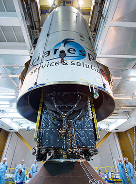 EchoStar XVIII, the SYLDA dispenser system, and payload fairing are installed on Ariane 5