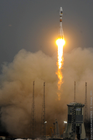 Soyuz begins its ascent from French Guiana with the payload of two Galileo In-Orbit Validation (IOV) satellites.