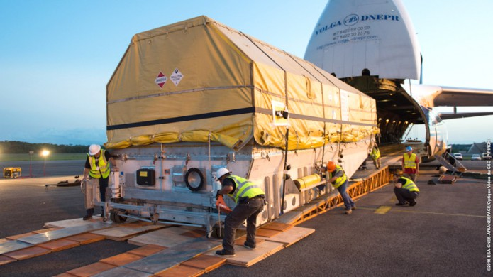 Unloading of Intelsat 33e following arrival in French Guiana